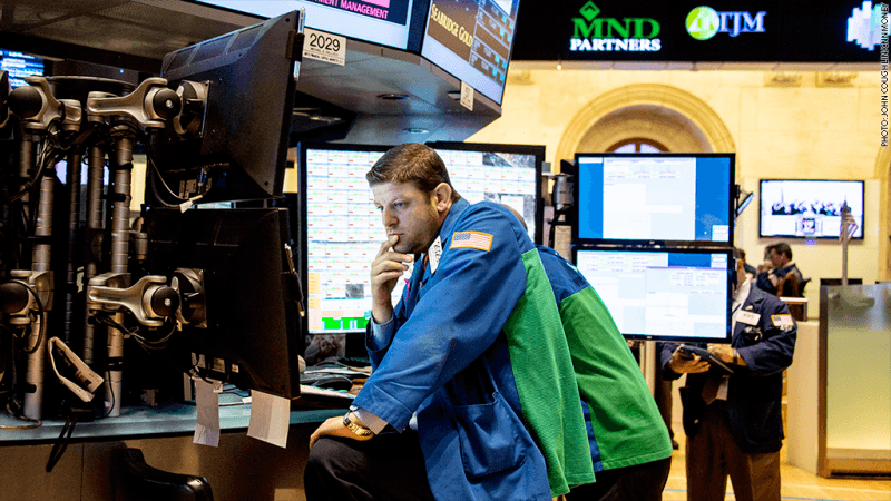 US : S&P, Dow mark new highs on strong retail sales data