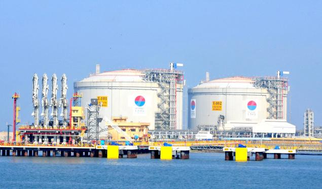 India : Petronet LNG plans $3 billion investment in overseas push