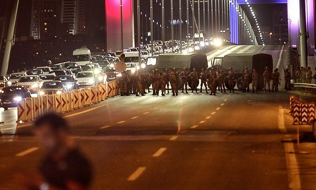 Turkey : PM Binali Yildirim says attempted coup underway, calls for calm