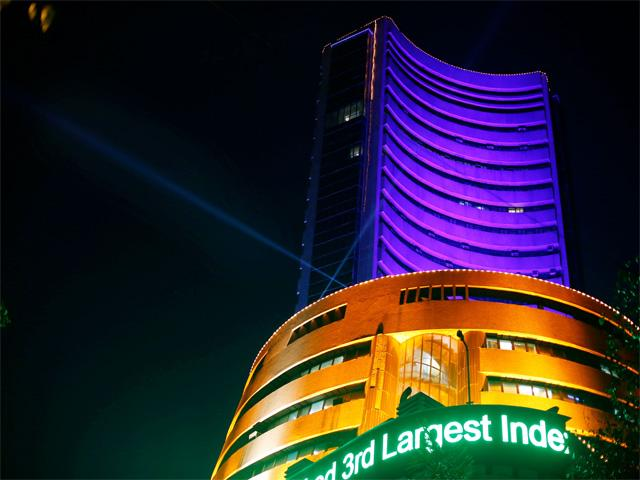 India : Q1 earnings drag Nifty, Sensex slips 205pts; Axis, SBI fall 4pct