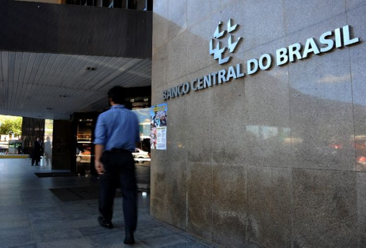 Brazil keeps rates steady, but opens door for cuts if inflation eases