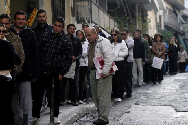 Greece : Unemployment steady at 23.5 pct in May