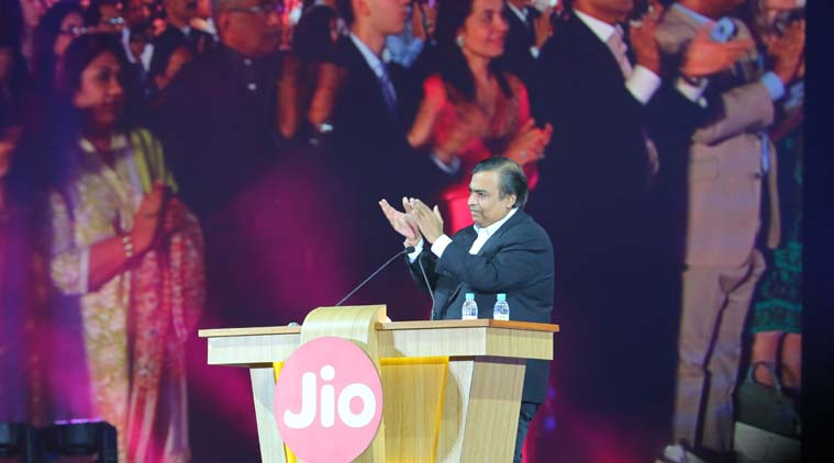India : Reliance unwraps Jio mobile telecom network with free calls, cheap data