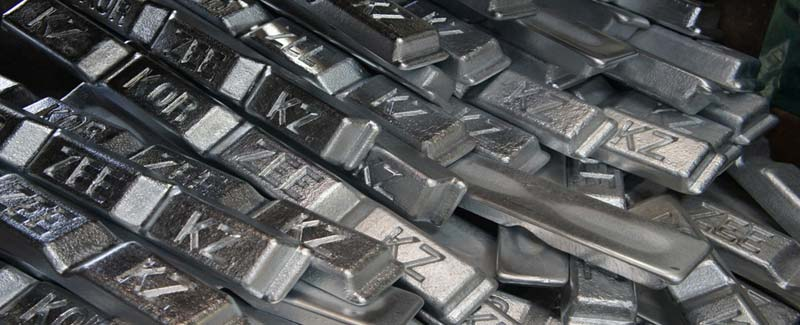 London Zinc charges to 9-yr high, lead hits 5-yr high